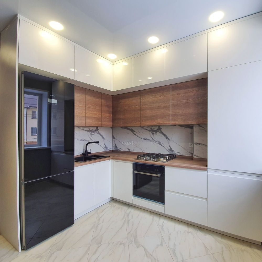Белый кухонный гарнитур-Кухня МДФ в эмали «Модель 529»-фото1